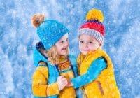 девочка и мальчик, зима, в свитерах