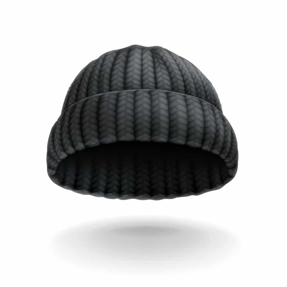 черная шапка вязаная